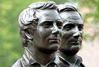 Bronze statue of Joseph and Hyrum Smith