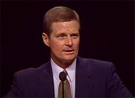 David Bednar Speaking at Pulpit