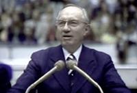 Gordon B. Hinckley addresses the student body